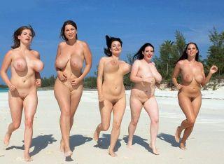 Fünf nackte Busenwunder joggen am Fkk-Strand